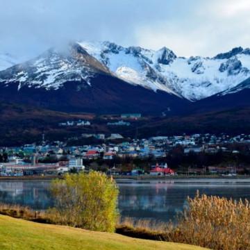 ¿Qué lugares puedo visitar en la ciudad de Ushuaia?